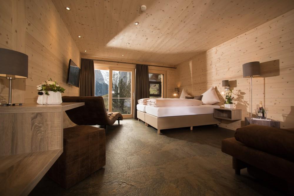 Ferien im Tal der 72 Wasserfällen – Hotel Silberhorn