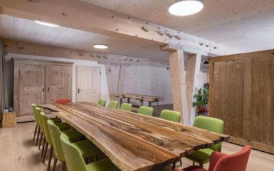 Gute Energie zum sich auszutauschen – Holz100 Sitzungsraum zum Mieten